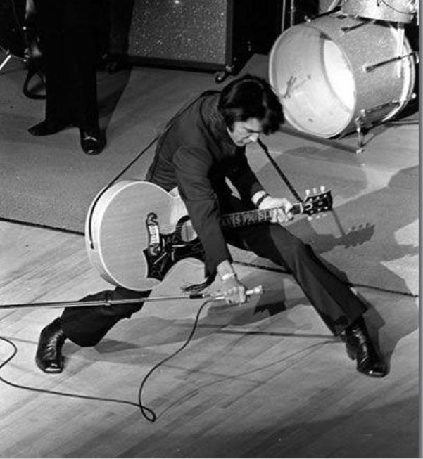 Elvis on stage Las Vegas 1969