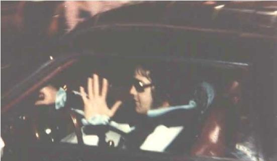 Elvis last trip to Dentist wearing jogging suit